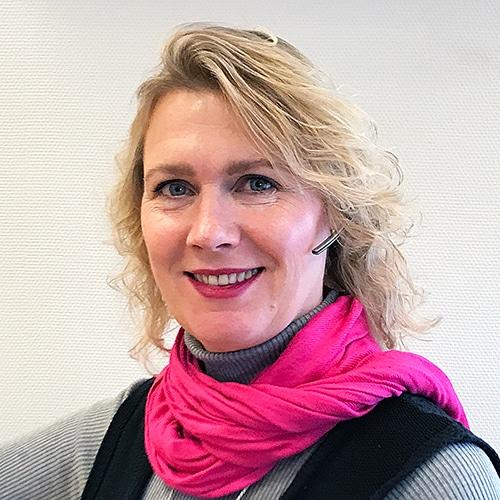 Ansiktsbild på kontorsvarorsäljare Sanna Lind.
